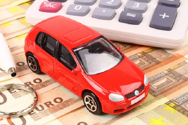 Bollo auto 2017: scadenza 31 gennaio, info modalità di pagamento e sospensioni