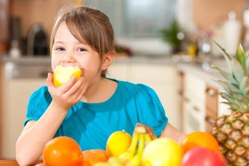 Mangiare più frutta e verdura migliora l'umore in due settimane