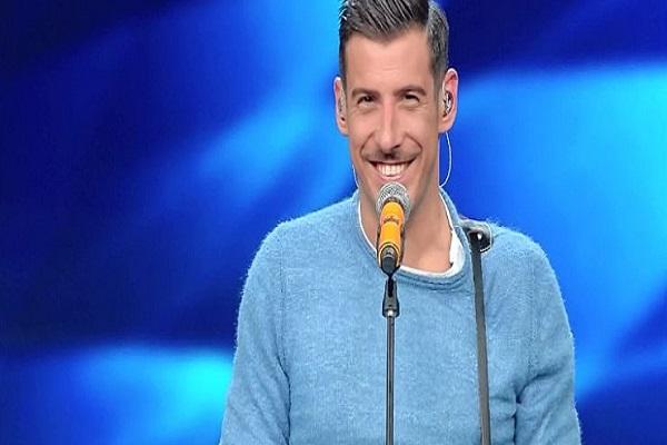 Sanremo 2017 look terza serata: gli outfit più belli e più brutti sfoggiati sull'Ariston, Francesco Gabbani troppo casual