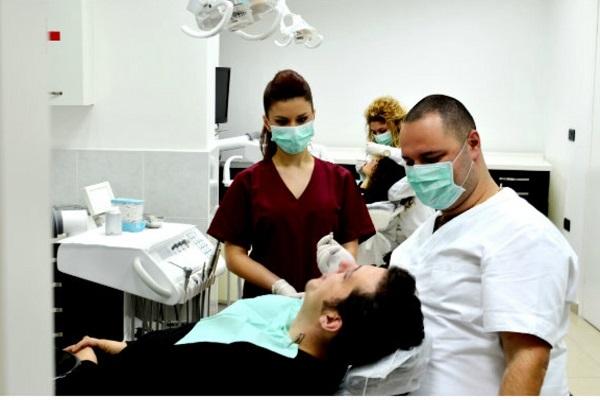 dentisti economici albania