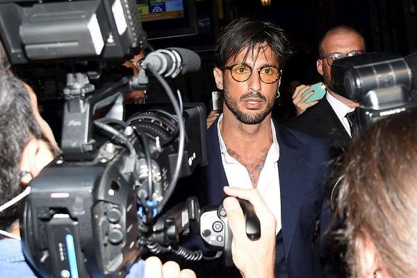 Avvocati di Fabrizio Corona: 190 testimoni al processo, provenienza lecita del denaro