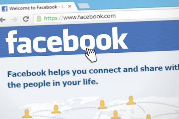 Diffamazione su Facebook: l'offesa in bacheca è meno 'grave' di quella mezzo stampa