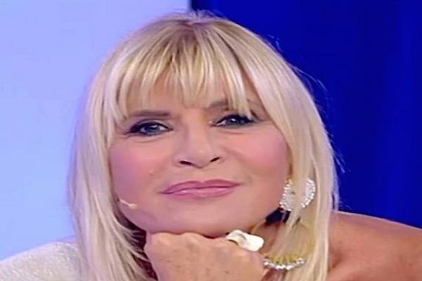 Tina Cipollari in lacrime per la morte del padre