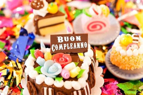 Buon Compleanno WhatsApp, Snapchat e Instagram Tanti Auguri