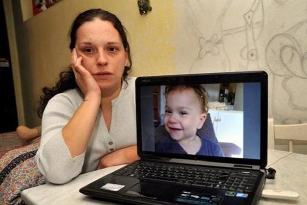 Houda Emma rapita dal padre torna in Italia: oggi incontra la madre Alice Rossini