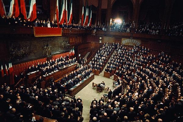 Stipendi parlamentari italiani 2017: quanto guadagnano deputati e senatori della Repubblica Italiana?