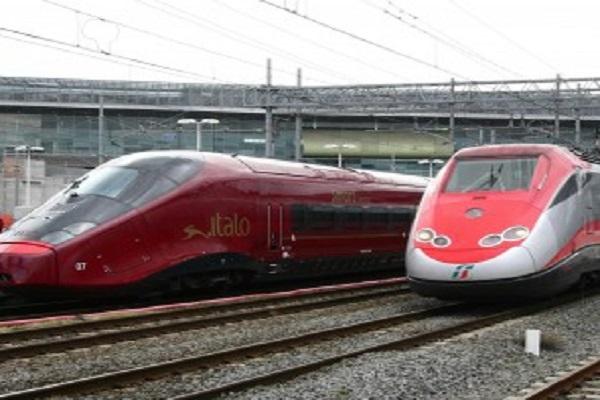 Trenitalia e Italo offerte low-cost, dove trovare i migliori sconti per viaggiare in treno: prezzi, tariffe e promozioni
