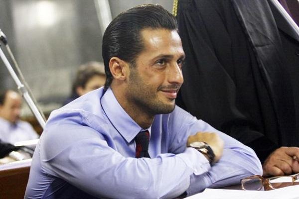 Fabrizio Corona resta in carcere: la decisione del giudice spiazza tutti. Ultime news