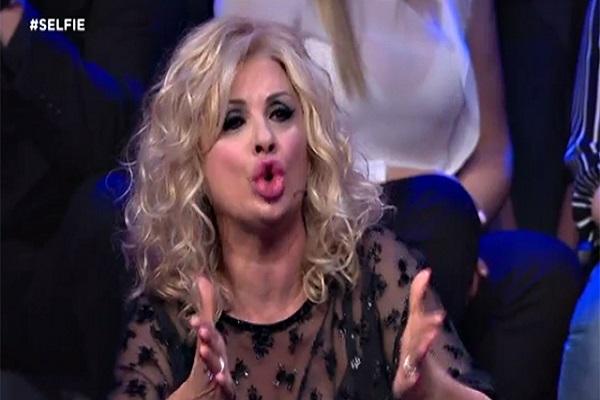 Tina Cipollari lascia Selfie - Le cose cambiano dopo lo scontro con Iva Zanicchi?