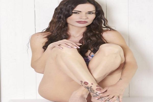 Antonella Mosetti nuda su Instagram, la foto scandalo della showgirl