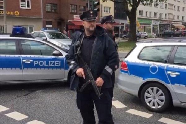 Allerta terrorismo ad Amburgo dopo l'attacco in supermarket