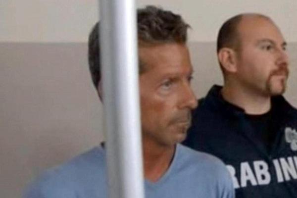 Massimo Bossetti condannato all'ergastolo in secondo grado: le lacrime dopo la sentenza