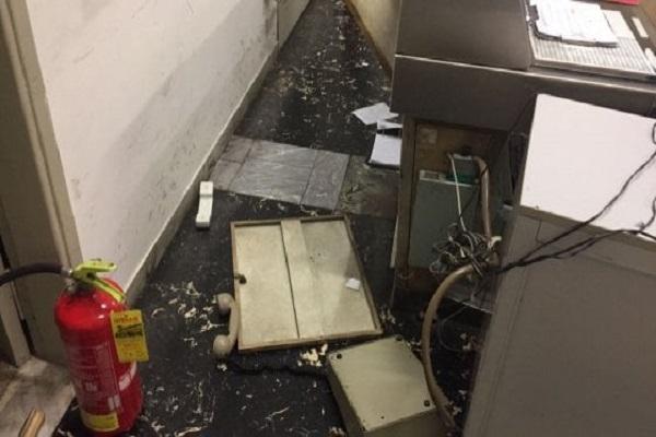 Roma, Baby Gang vandalizza la stazione San Paolo: aggredito il vigilante
