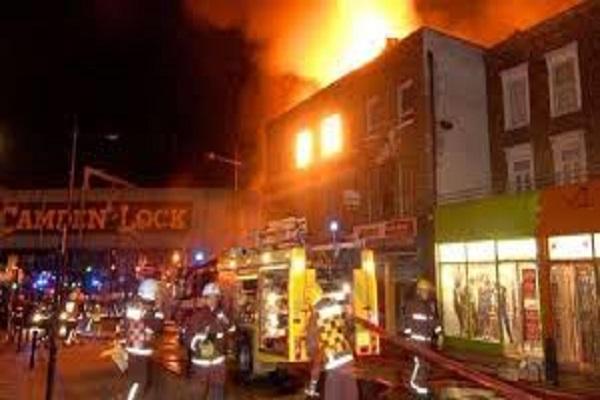 camden market incendio londra