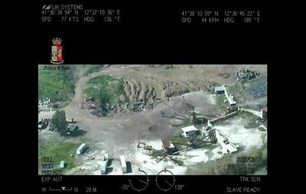 Aprilia: smaltimento di rifiuti tossici nell'ex cava di Pozzolona