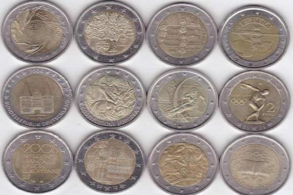 Monete di due euro false in circolazione: il trucco per riconoscerle