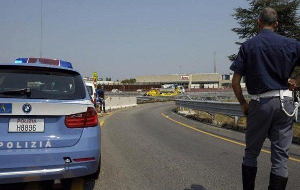 Mercedes vola da un viadotto, tre morti sulla A29 Trapani - Palermo