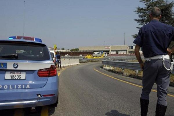 Strage familiare a Palermo, auto tamponata sull'A29: morti padre, madre e figlia