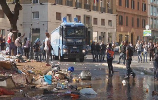 Migranti, la proposta del Viminale: ospitarli nelle strutture confiscate alle mafie