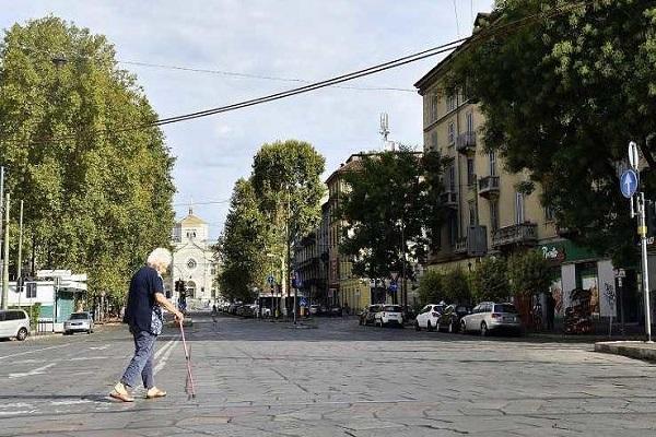 stupro anziana Milano