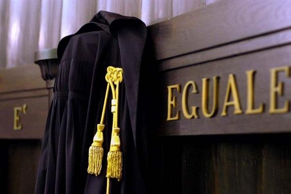 Choc a Perugia, entra armato in Tribunale e aggredisce due giudici