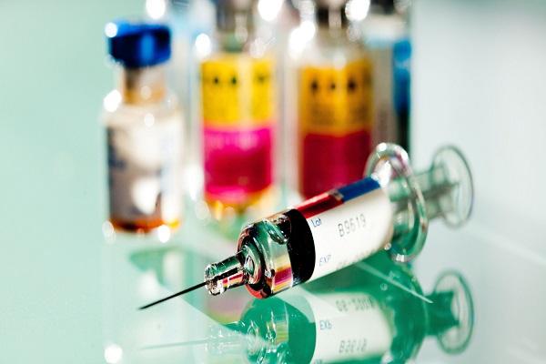 Vaccini addio privacy, le scuole possono inviare gli elenchi alle Asl