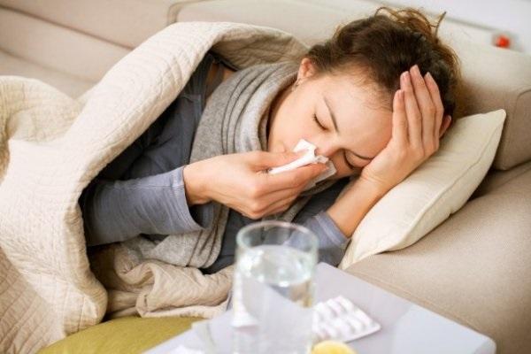 influenza settembre 2017 bambini anziani sintomi rimedi farmaci contagio prevenzione