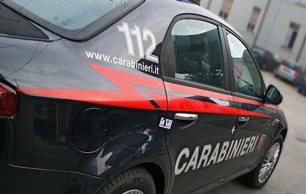 Cagliari. Rimproverato per il cellulare in classe. Prende a pugni l'insegnante