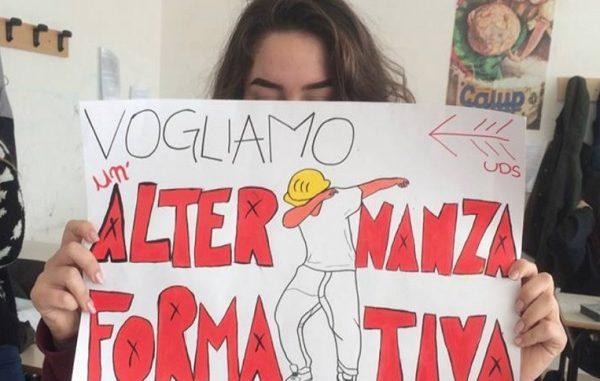 Progetto scuola lavoro, le proteste degli studenti in piazza