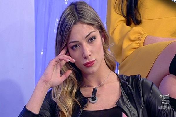 Raffaella Mannoia di Uomini e Donne contro Soleil Sorge, messaggio social