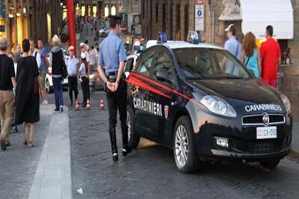 Ragazza aggredita a Firenze, si indaga tra gli amici