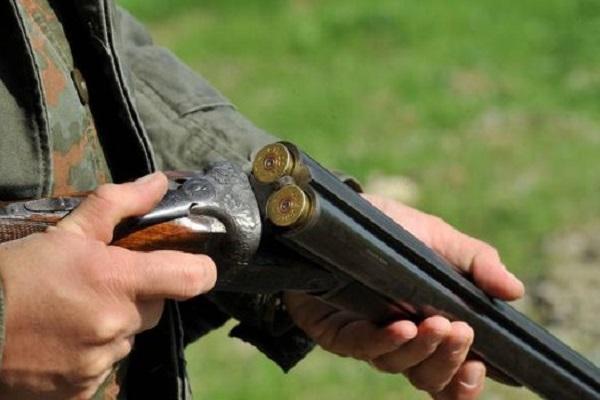 Tredicenne spara col fucile del padre e colpisce la nonna