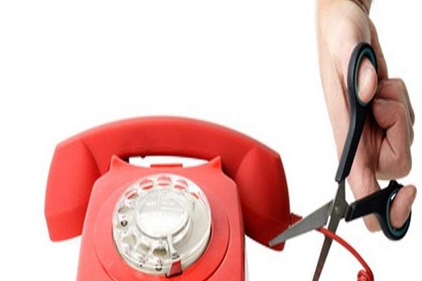 Bollette telefoniche, gli italiani non pagano: cosa si rischia
