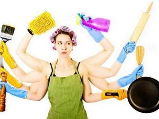 La casalinga non esisterà più, pensioni minime e bonus per salvarla