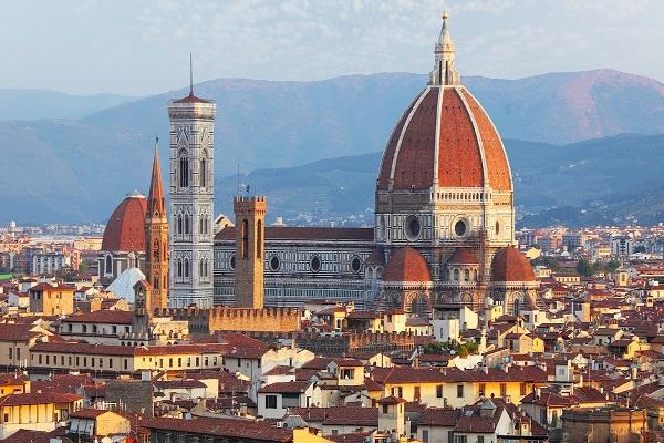 Ragazze americane violentate a Firenze chiamate a presentarsi in Tribunale