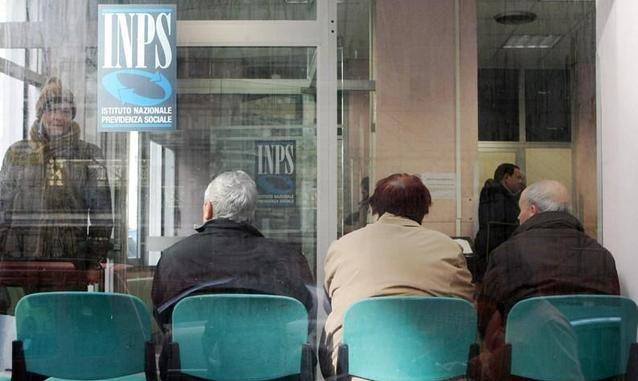 Uil Pensioni, italiani costretti a lavorare più degli altri cittadini europei
