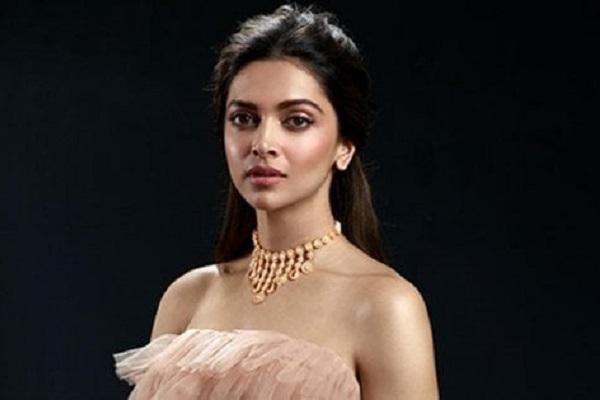 Bollywood: l'attrice Deepika Padukone minacciata di morte