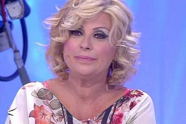 Tina Cipollari oggi piange a Uomini e donne: il motivo