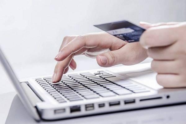 Farmaci venduti online, i NAS illustrano i rischi per la salute