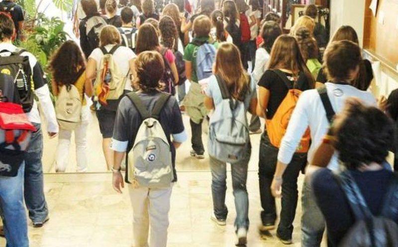Autorizzazione dei genitori, gli under 14 possono tornare da scuola da soli