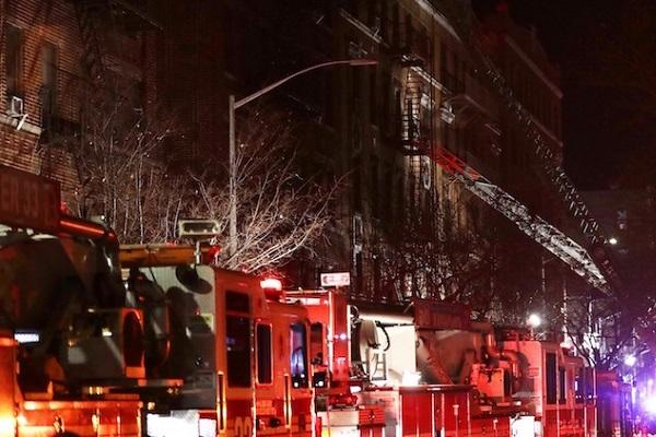 Bronx in fiamme, incendio in un condominio di New York