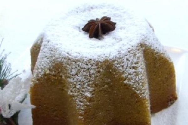 Pandoro natalizio con insetti: nella ricetta farina di baco da seta