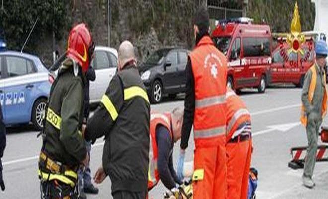 Brescia, operaio di 19 anni muore incastrato nel tornio