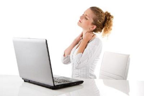 Dolori da ufficio, cosa sono e come prevenirli