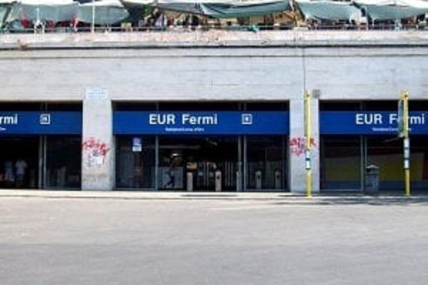 Metro B Roma, donna investita da treno: è stata spinta?