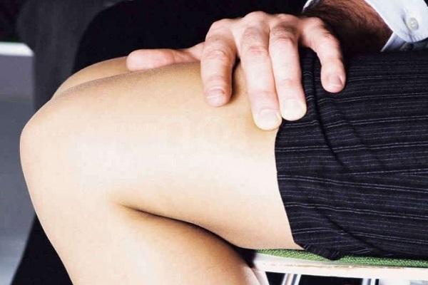 Riccione, arrestato un professore per violenza sessuale