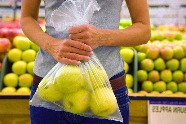 Legge sui sacchetti della frutta biodegradabili: le bufale