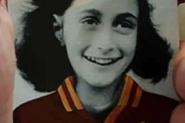 Lazio, multa per gli adesivi di Anna Frank con la maglia della Roma