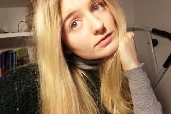 Modella italiana illibata mette all'asta la verginità
