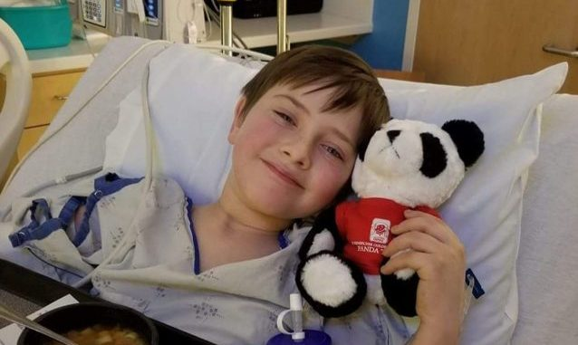 Batteri mangiacarne, muore bimbo di 8 anni caduto dalla bici
